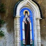 Наскальная монастырская икона