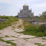 По древней дороге - к храму