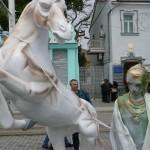легионер с лошадью