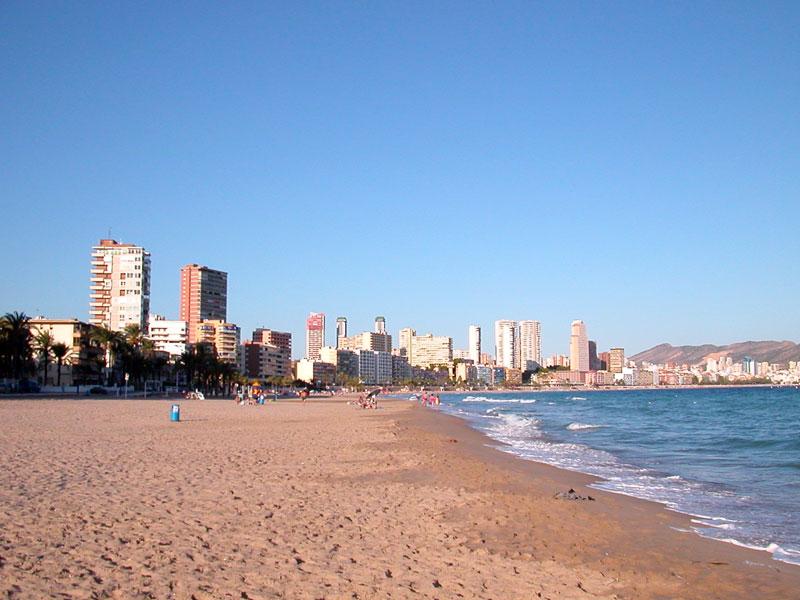 песчаные пляжи испании