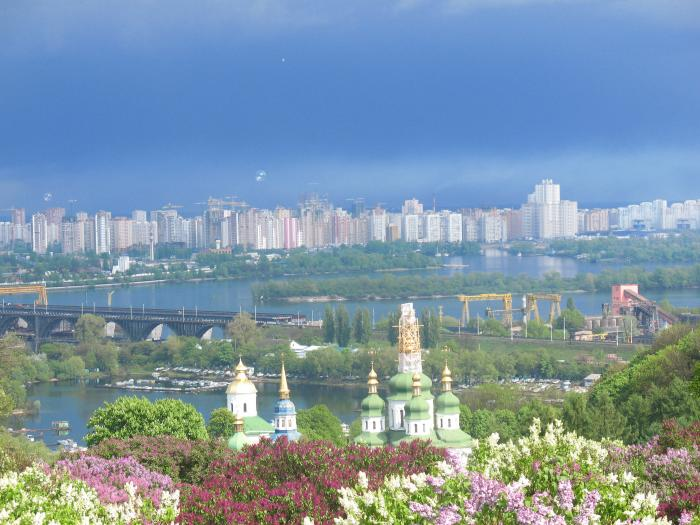 the left coast of Kiev.