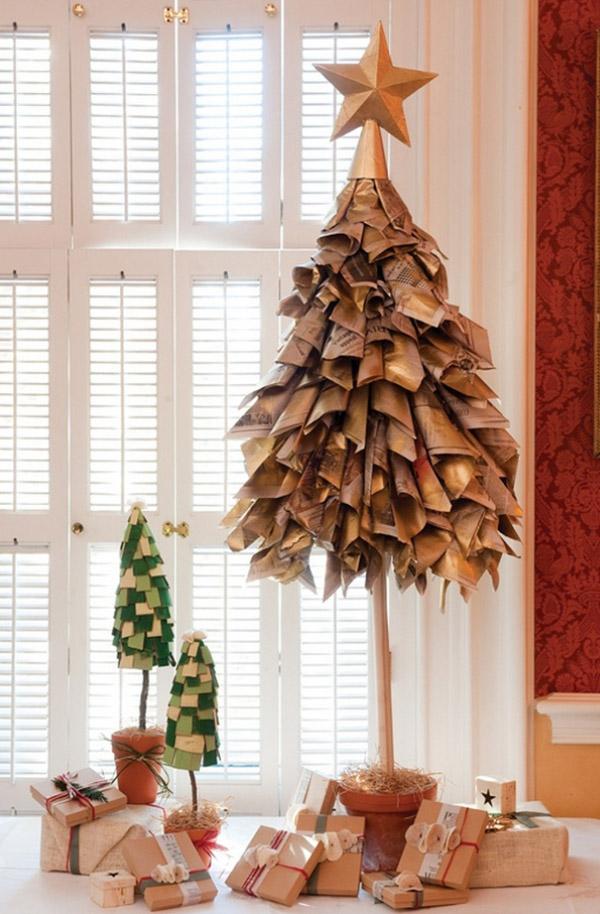 Газетная елка