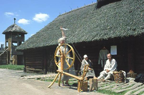 В Польше, в местечке Бискупине-