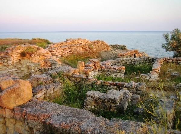 Руины античной усадьбы Беляус