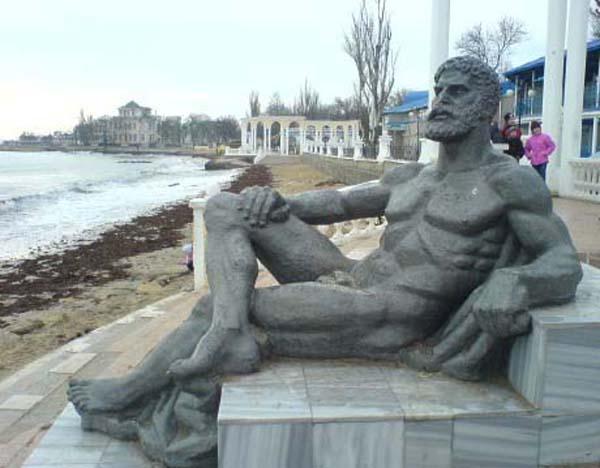 Отдыхающий Геракл
