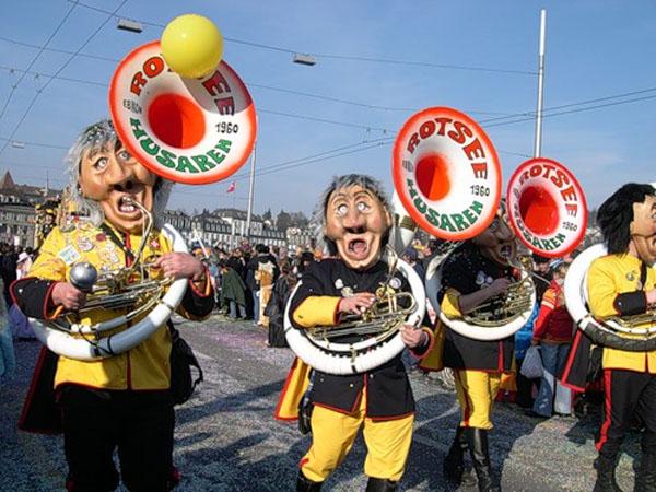 карнавал-музыканты