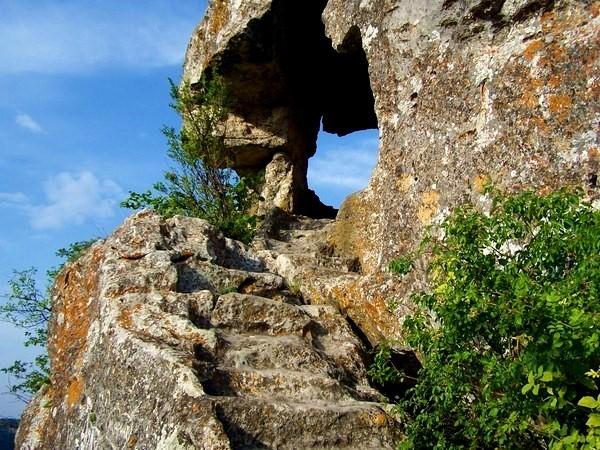 Мангуп-Кале -ступени