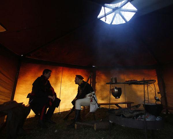 7-в палатке перед реконструкцией битвы при Аустерлице