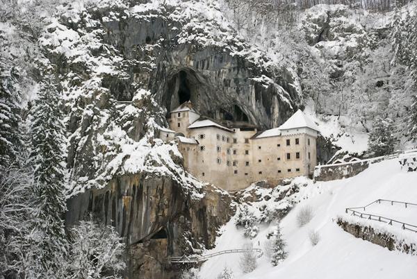 predjama-castle-slovenia-1