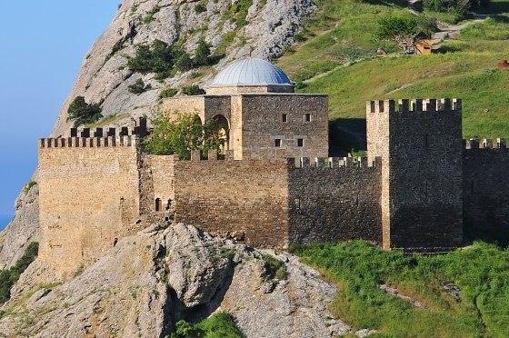 Генуэзскую крепость в Судаке