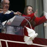 Хищницы атакуют «голубей мира»