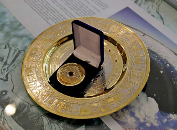 олимп. медаль с метеоритом