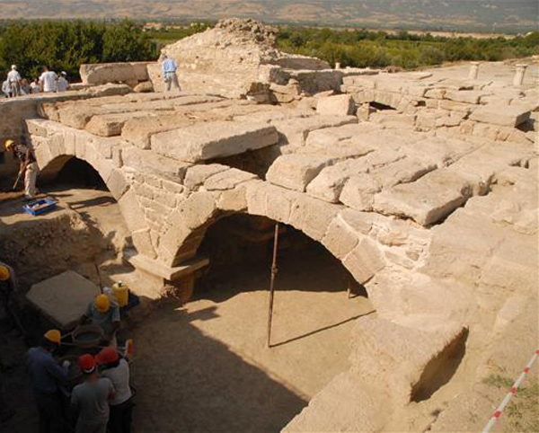 an ancient Roman city Триполь--