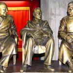 Памятник Ялтинской конференции в Крыму.