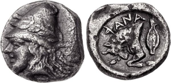 Диабол. Фанагория -393г. до н.э. На аверс - кабира в конической шапке, украшенной венком. На реверсе - бодающий бык, пшеничное зерно и надпись -ФАNА
