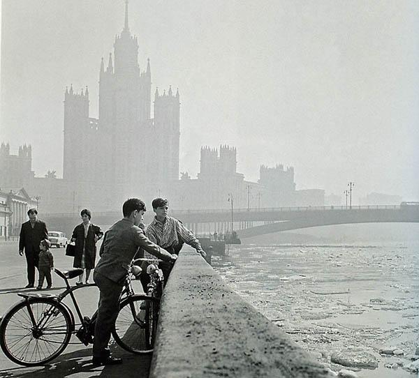 -На Котельнической набережной-1963