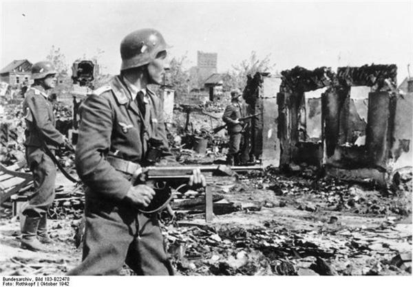 Разрушенный Сталинград в 1942-1943