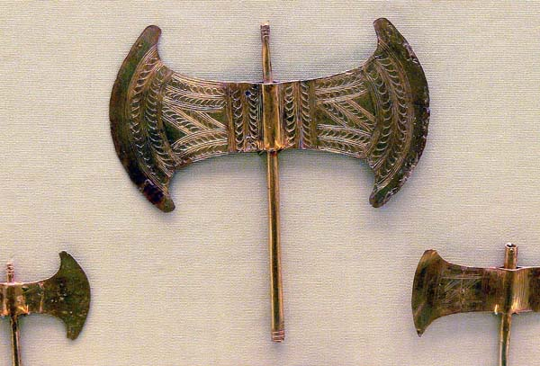 1-Золотой минойской Лабрис-крит