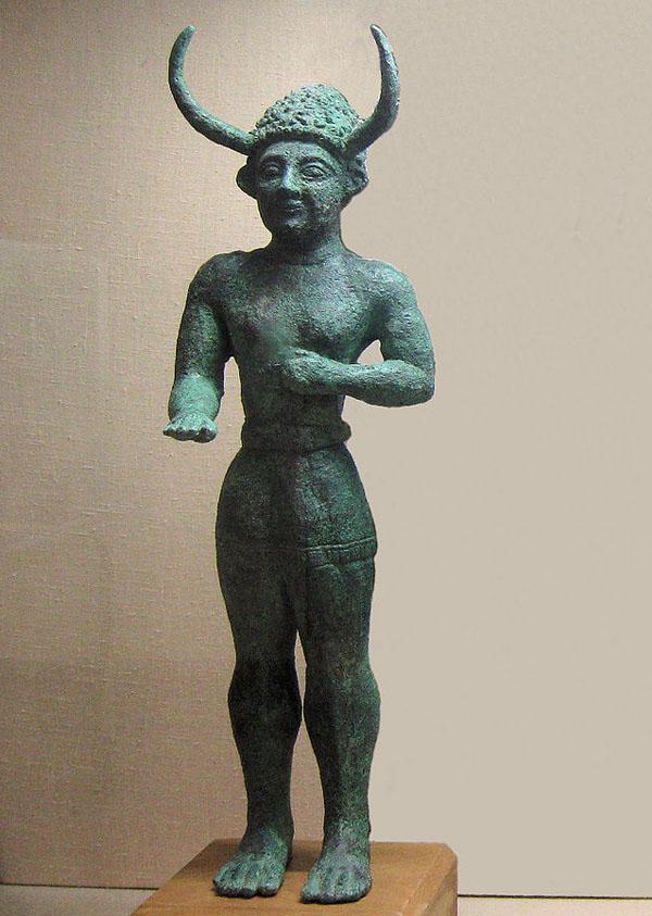 рогатое божество Крит-Gehörnter_Gott,_Enkomi