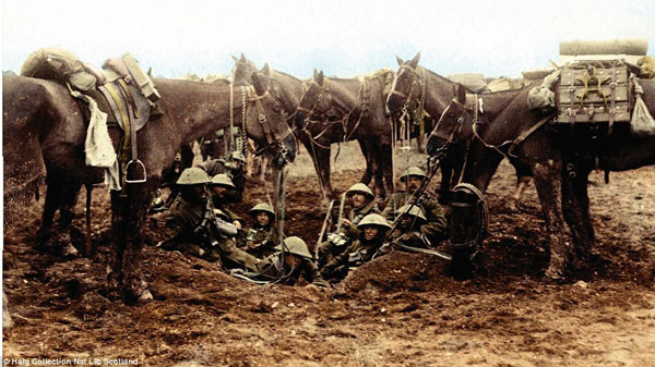 1917-3. Обед кавалеристов