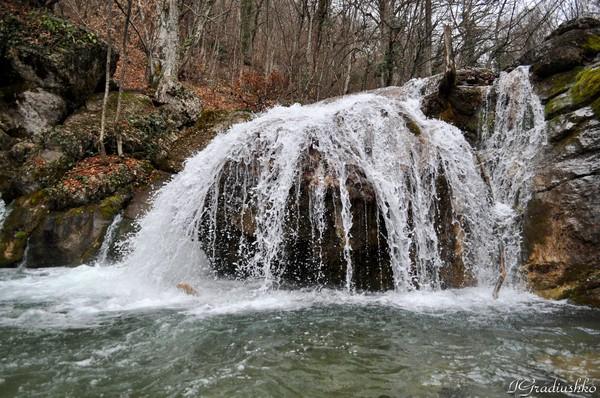 водопада Джур-джур.