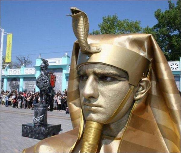 1-living-statues-1
