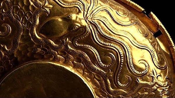 Осьминог из -Микенской гробницы !