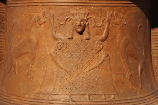 апи-критско-Микенская богиня -великая мать со львами- 670 г. до н.э.