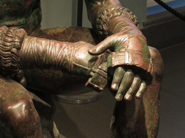 боксерские перчатки с 4 века до н.э.-с тяж.кольцом-кастетом