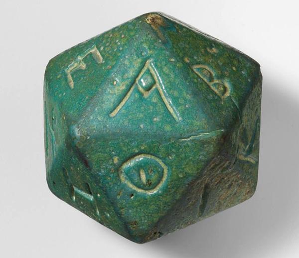многогранник с бук. греч. алфавита -для пророческий гаданий