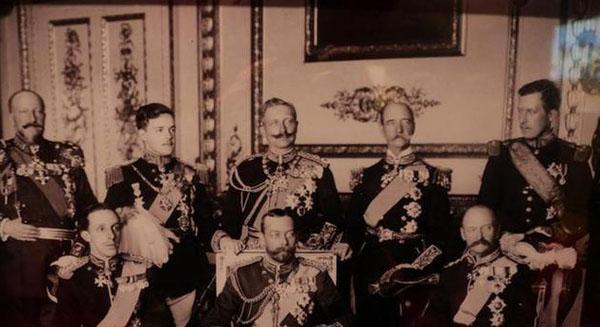 1914-Встреча европейских монархов перед войной.