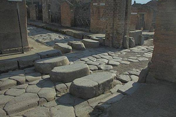 Помпеи, 79 г. н.э. - римские дороги и пешеходный переход