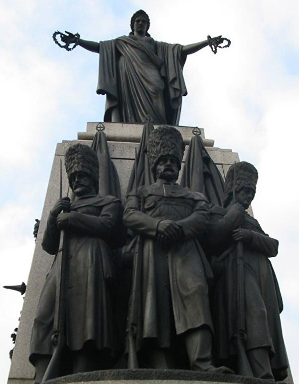 Крымский мемориал в Лондоне на площади Ватерлоо