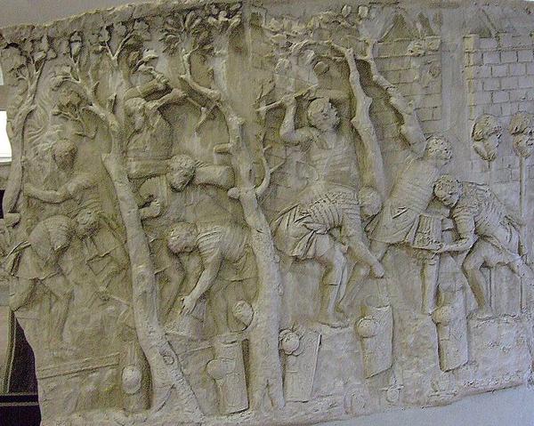 римские дороги строили не рабы и даже не наёмные рабочие, а армейские подразделения - римские легионеры.