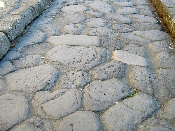 Roman_Road_at_Herculaneum