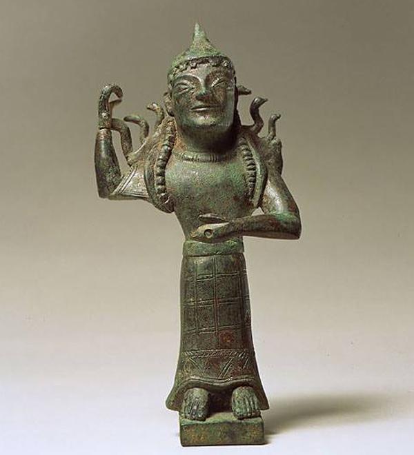 1-апи-змеи-Афина Промахос- проматерь в шлеме-Сицилия-580 г.до н.э.