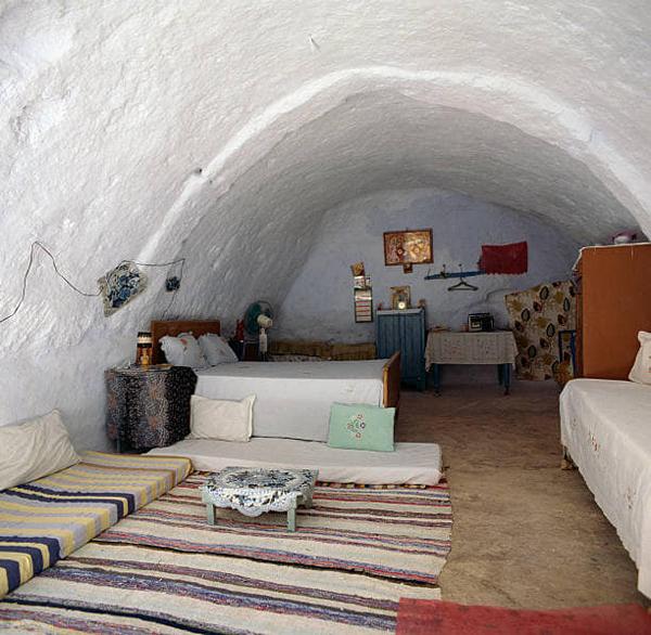 Матмата — маленький берберский городок на юге Туниса.