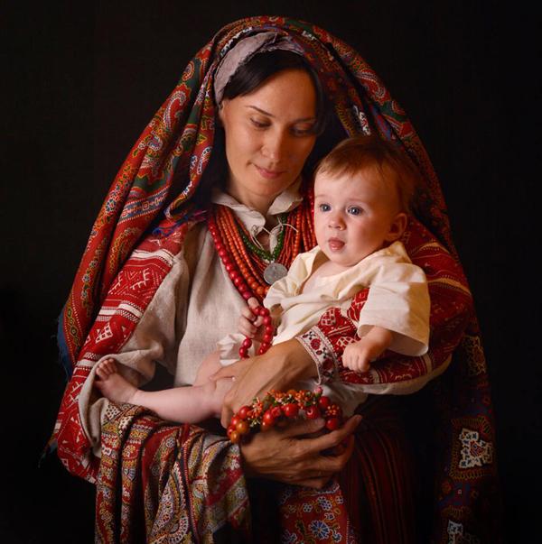 украина