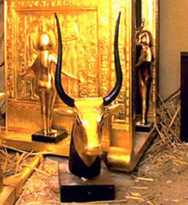 -бык-=из гробницы Тутанхамона