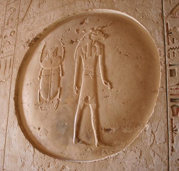 Минотавр в египетской гробнице в Фивах
