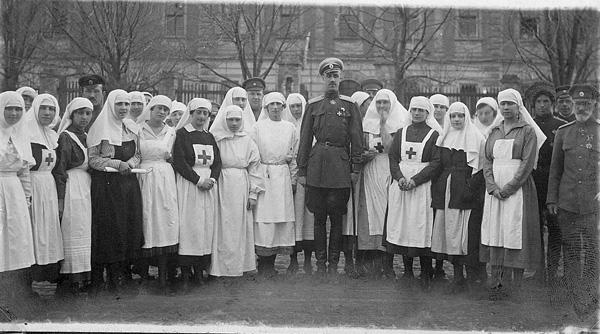 1-врангель-пётр-1926-медсёстры