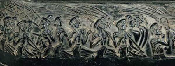 керам-праздн.воины-поют-ритуальное шестви-е