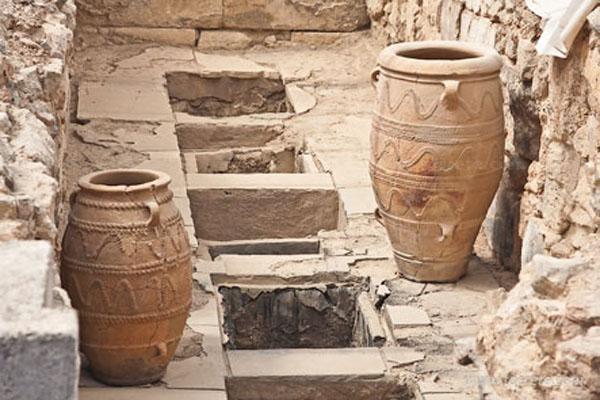 1500 до н.э. -пифосы- Зап. Кладовые дворца-knossos .