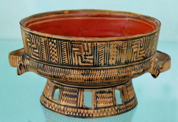 715 гг. до н.э-свастика-килих