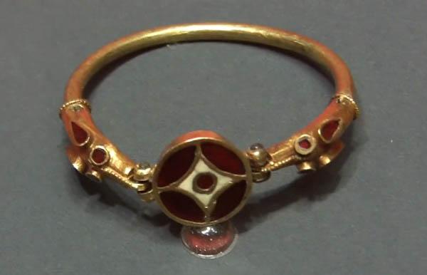 перстень-=