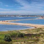Бакальская песчаная коса и озеро Бакал