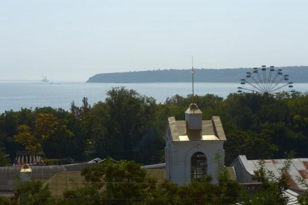 1-Вид на Керченский залив с улицы старого города