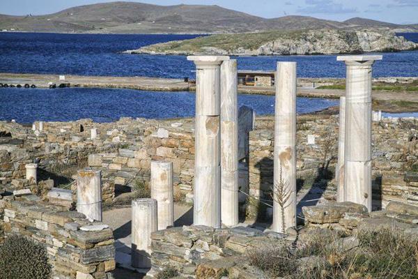 Аполлона и Артемиды храм- Делос