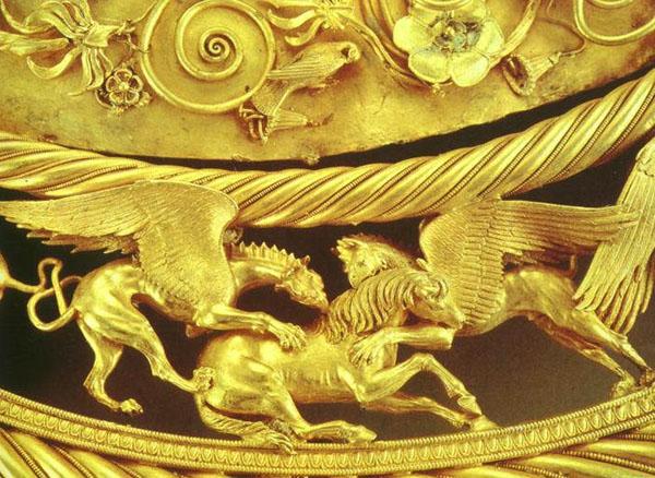 Терзание коня грифонами. Фрагмент царская пектораль - 4 век до н.э. Тольстая могила