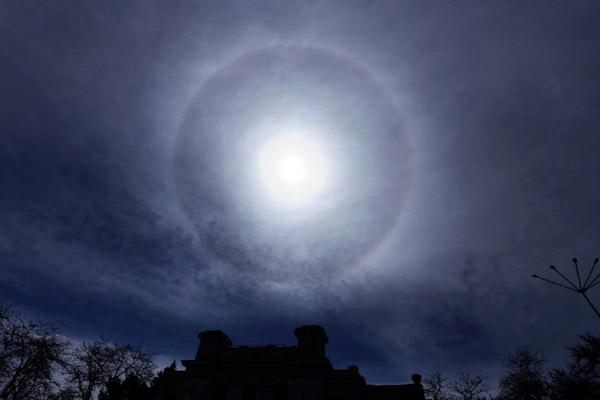 Солнечное гало 23 апреля в Евпатории